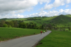 Descending to Ilam and Bunster Hill