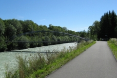Cycle track beside R.Alfenz