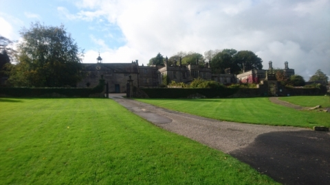 2019-10-Peaks-015-Tissington-Hall
